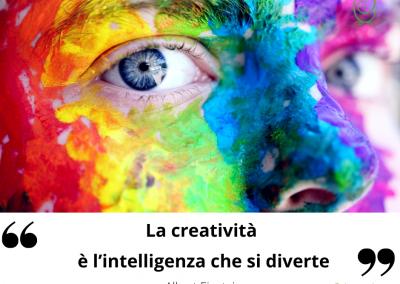 La creatività è l'intelligenza che si diverte. - Albert Einstein